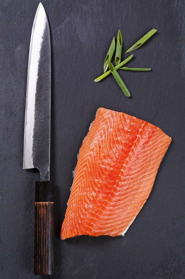 how to choose a sushi knife